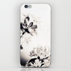 Black and White Flowers 2 iPhone & iPod Skin