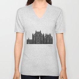 HexArchi - Portugal, Batalha, Mosteiro de Santa Maria da Vitória . Igreja e Capela do Fundador Unisex V-Neck