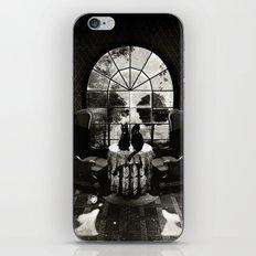 Room Skull B&W iPhone & iPod Skin
