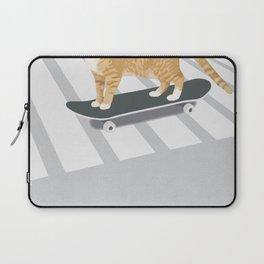 Skateboarding cat Laptop Sleeve