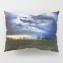 The storm is coming Pillow Sham
