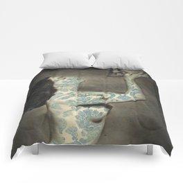 Kiss Me Deadly Comforters