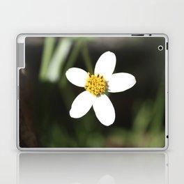 White Flower - Cuzco Laptop & iPad Skin