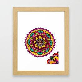 Mandala flores Framed Art Print
