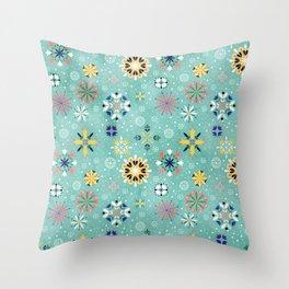 Christmas snowflakes pattern Throw Pillow