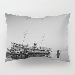 Fog lady Pillow Sham