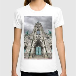 Faith and Architecture in Chicago T-shirt