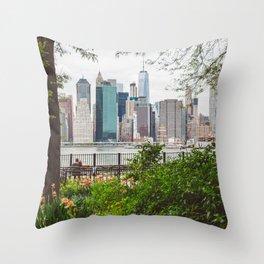 New York Lovers Throw Pillow