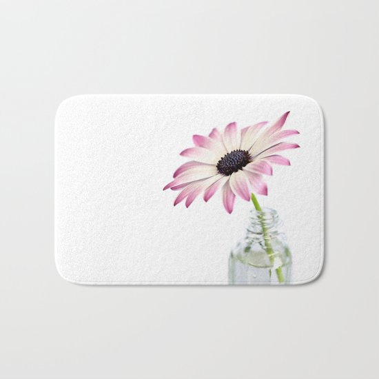 delicate single daisy flower Bath Mat