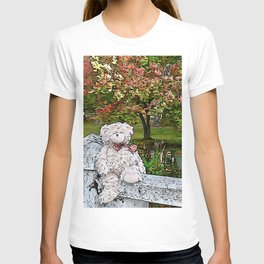 Teddy bear by the pond in autumn T-shirt