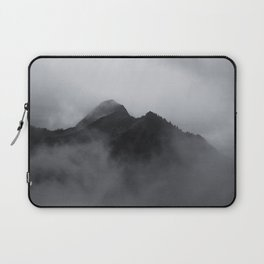 SURROUNDED Laptop Sleeve