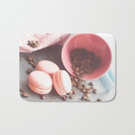 Sweet cakes with coffeebeans in a cup Bath Mat
