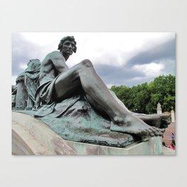 Victoria Memorial Statue Canvas Print