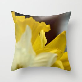 Vibrant Daffodils Throw Pillow