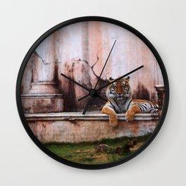 Laugh Along, Human Wall Clock