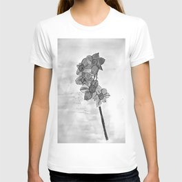 5 flowers in black and white T-shirt