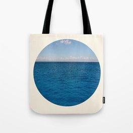 Water & Sky Horizon Round Photo Tote Bag