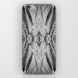 PRETTY BLACK & WHITE LINE PATTERN iPhone Skin