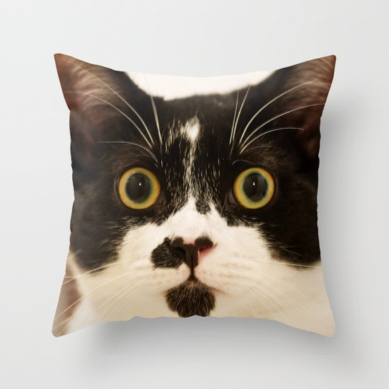 Pussy cat, pussy cat Throw Pillow