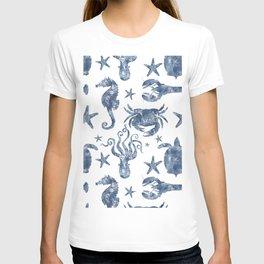 Delft Blue nautical Marine Life pattern, coastal beach T-shirt
