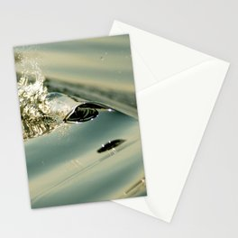 Minuscule vague faisant face au levé de soleil Stationery Cards