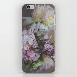 Spring bouquet iPhone Skin