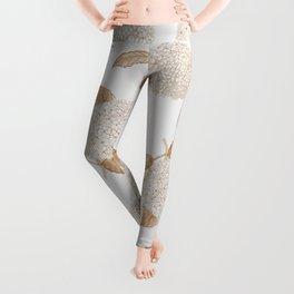 Classic, atermporal, elegant floral golden hortensia vintage repeat pattern. Big hydrangeas. Leggings