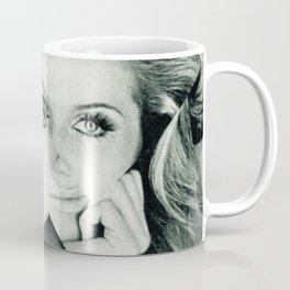 Frau Dreiecke 7 Coffee Mug