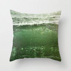 L'éternel retour Throw Pillow