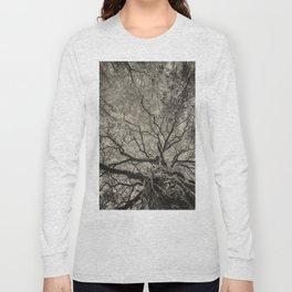 The old oak tree Long Sleeve T-shirt