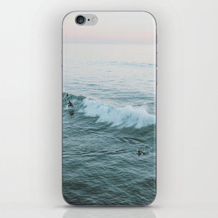 lets surf v iPhone Skin
