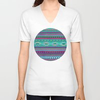 blankets V-neck T-shirts featuring HURIT by Nika
