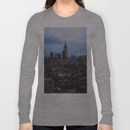 Empire State Building and the Manhattan skyline Long Sleeve T-shirt