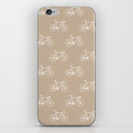 Chapeau velo - sand iPhone Skin