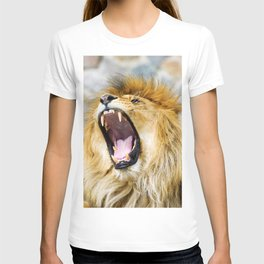 Beautiful Mighty Lion T-shirt