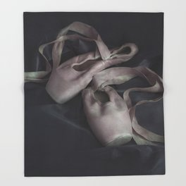 Pastel pink points ballet shoes Throw Blanket