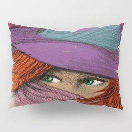 Green eyes Pillow Sham