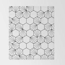 Peacock comb black white geometric pattern Throw Blanket