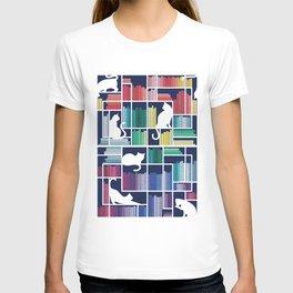 Rainbow bookshelf // navy blue background white shelf and library cats T-shirt