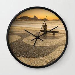 E no mar estava escrita uma cidade Wall Clock