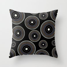 CONCENTRIC CIRCLES IN BLACK (abstract pattern) Throw Pillow