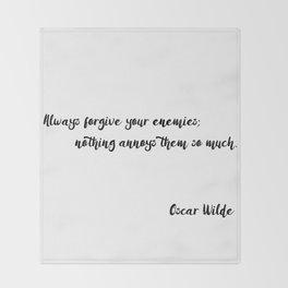 Oscar Wilde - Quotes Throw Blanket