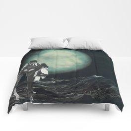 Moon Strolling Comforters
