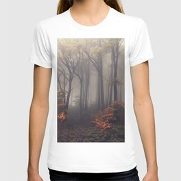 Red leaves of autumn T-shirt
