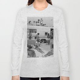 Vintage Camper Beach Long Sleeve T-shirt