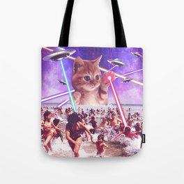 cat invader from space galaxy marsians attacking beach Umhängetasche