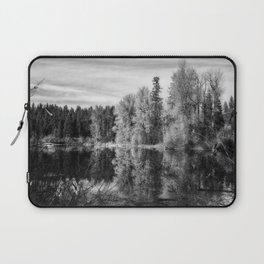 Autumn Makes an Appearance at Fish Lake bw Laptop Sleeve
