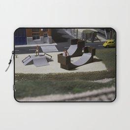 Miniature skatepark Laptop Sleeve