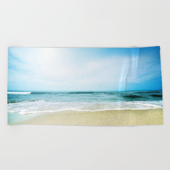 Paradise Ocean waves Beach Towel