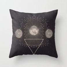 LEUKSNO - Plástica x Nikola Nupra Throw Pillow